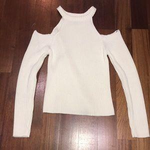 Shoulder-less sweater